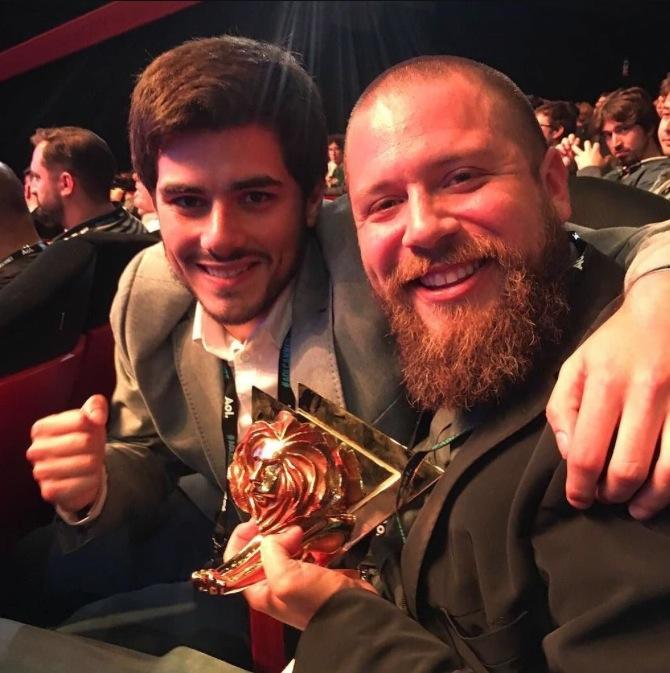 Ricardo y Juan Javier con Lion