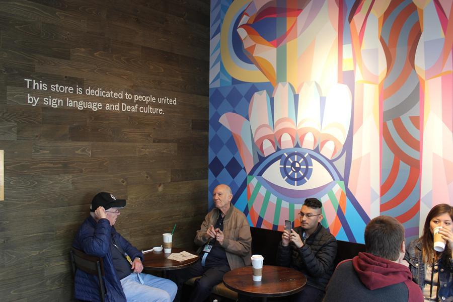 Imagen 001 Starbucks cafeteria sordos