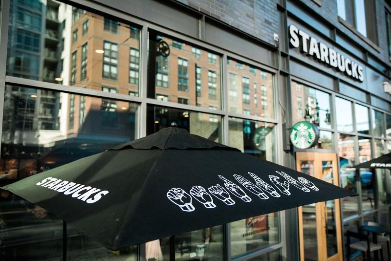 Imagen 003 Starbucks cafeteria sordos